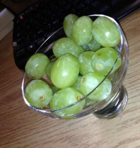 grapes-284x300